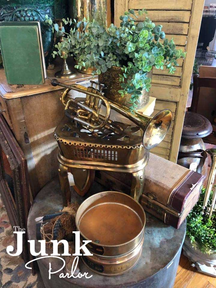 Old stuff and cool junk for your home. thejunkparlor.com